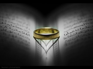 926b6-gold-ring-with-love-shadow